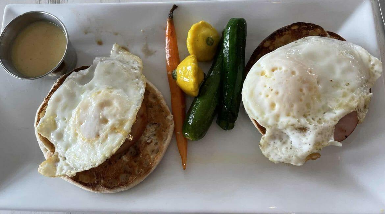 eggs benedict at SALT